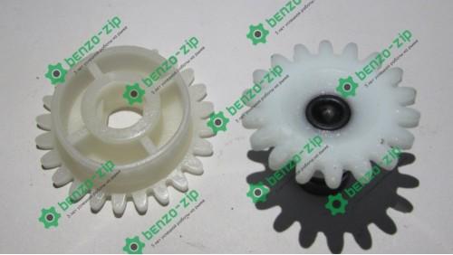 Шестерні приводу маслонасоса електропили Міас ПЦ-2400